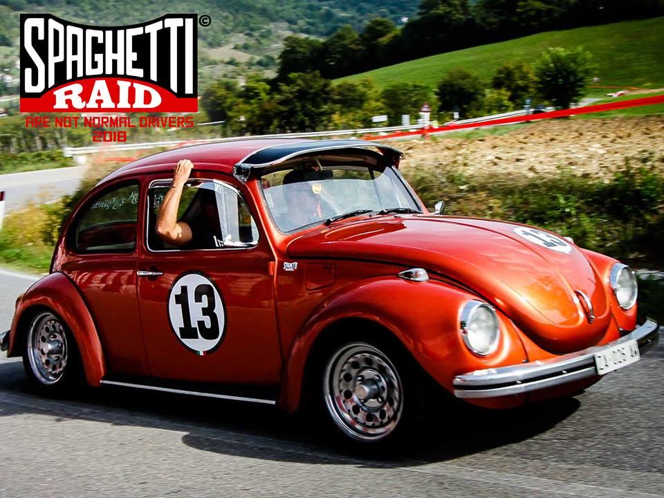 Team RUSTOM #13 VW Maggiolone del '72 Città: Lodi